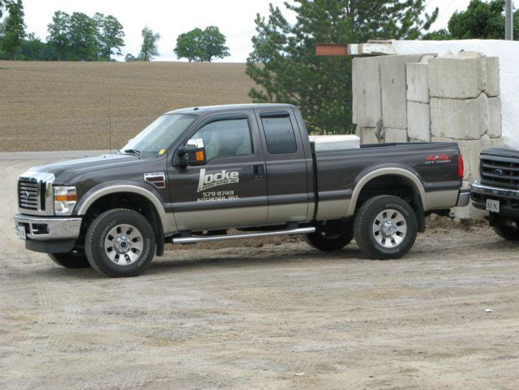 locke-landscaping-truck