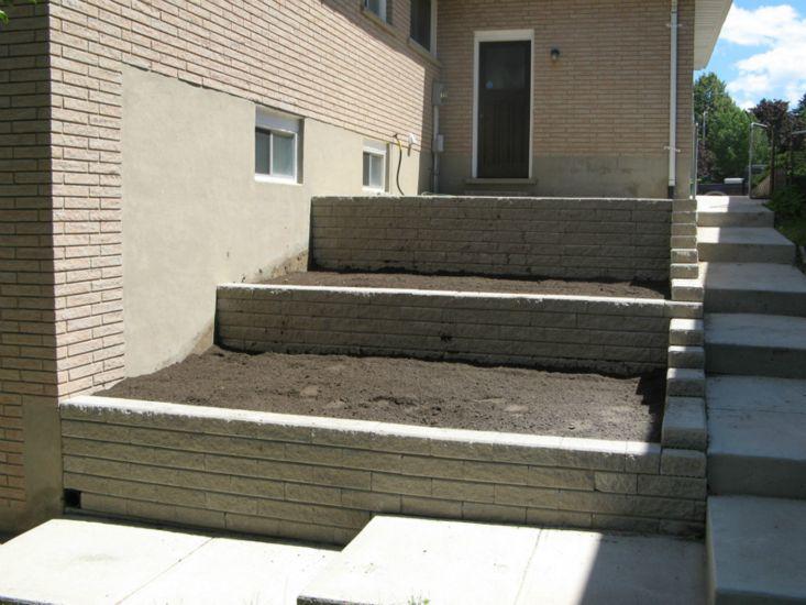retaining-wall-and-walkway